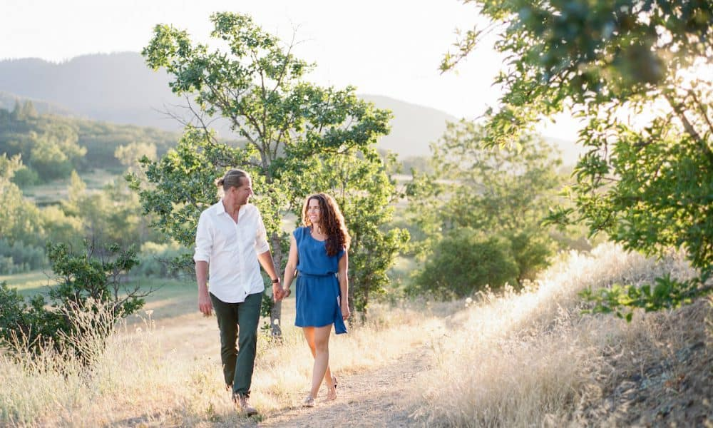 Romantic Oregon Mountain Lake Engagement: Kaia & Michael