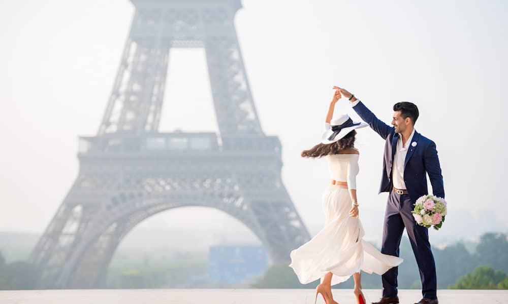 feature-parasto-amir-paris-engagement-14