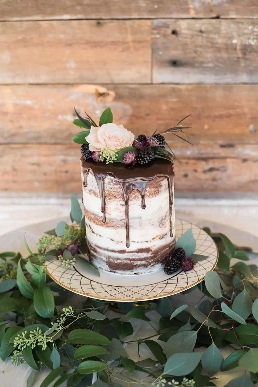 Vintage Rustic Romance Wedding Inspiration