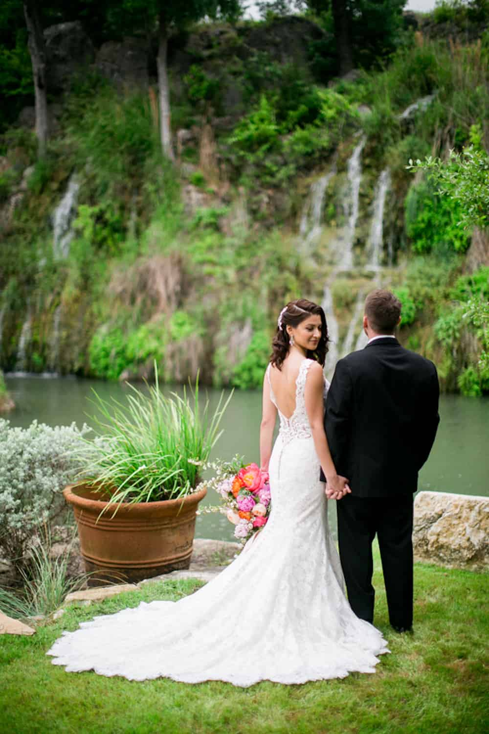10 PineandBlossomPhotography_HiddenFallsStyledWedding262_low