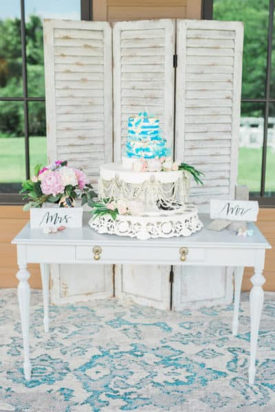 12 KortneyBoyettPhotography_CakeTable8_low