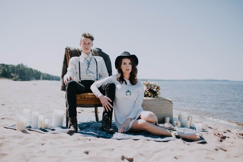 6 VafaPhotography_NorthernMichiganBohemianWeddingInspirationVafaPhoto70_low