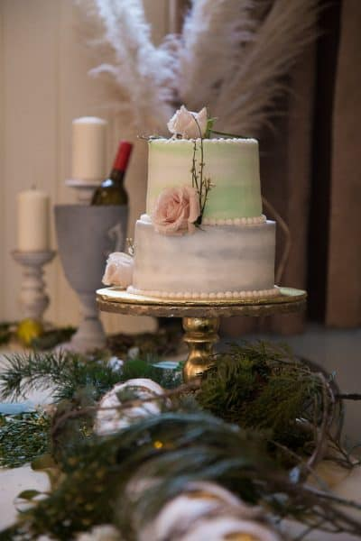 Romantic Rainy Day Wedding in Old Town Jacksonville, Oregon