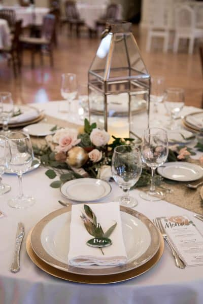 Romantic Rainy Day Wedding in Old Town Jacksonville, Oregon