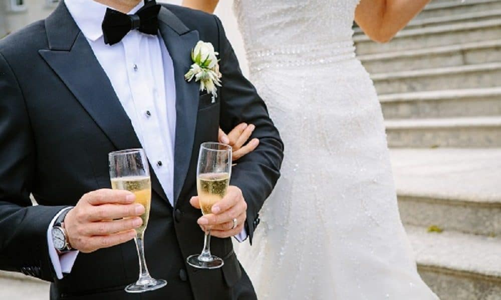 8 Fun Alternatives to the Traditional Champagne Toast