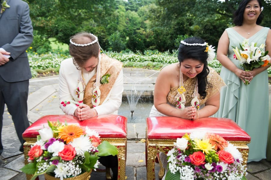 Gorgeous Thai water ceremony