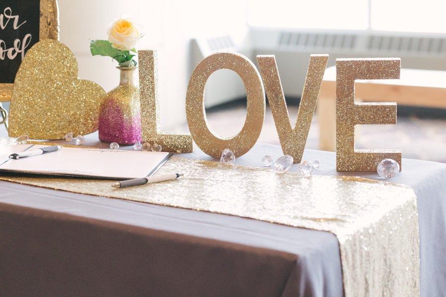 glittery wedding decor