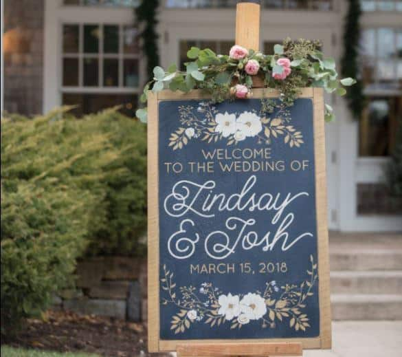 7 Wedding Signage Ideas for the Perfect Rustic Wedding