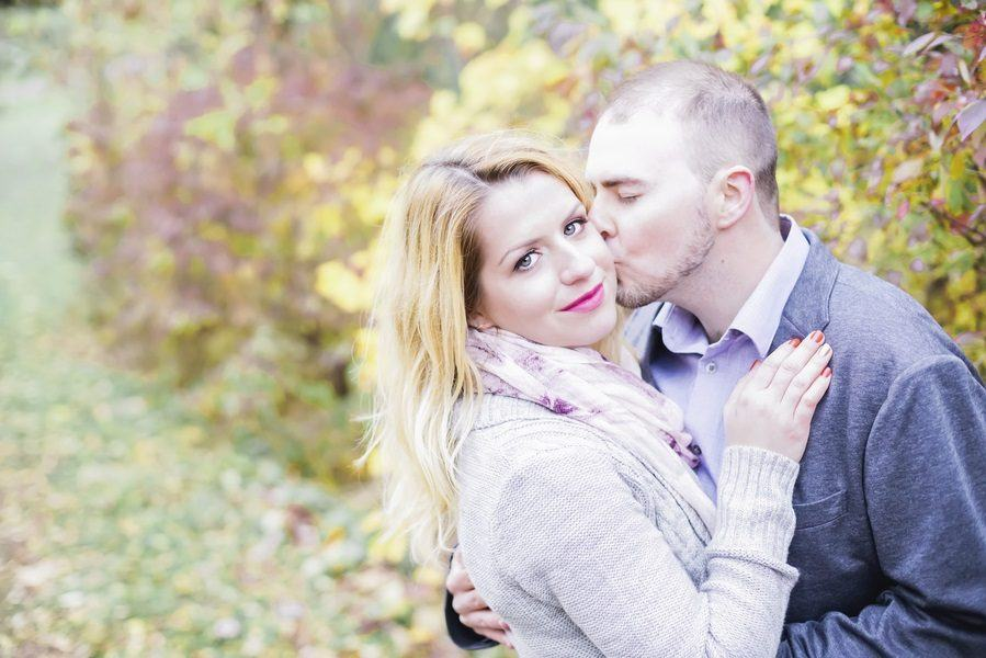Cozy Fall Engagement Photos All Brides Should See