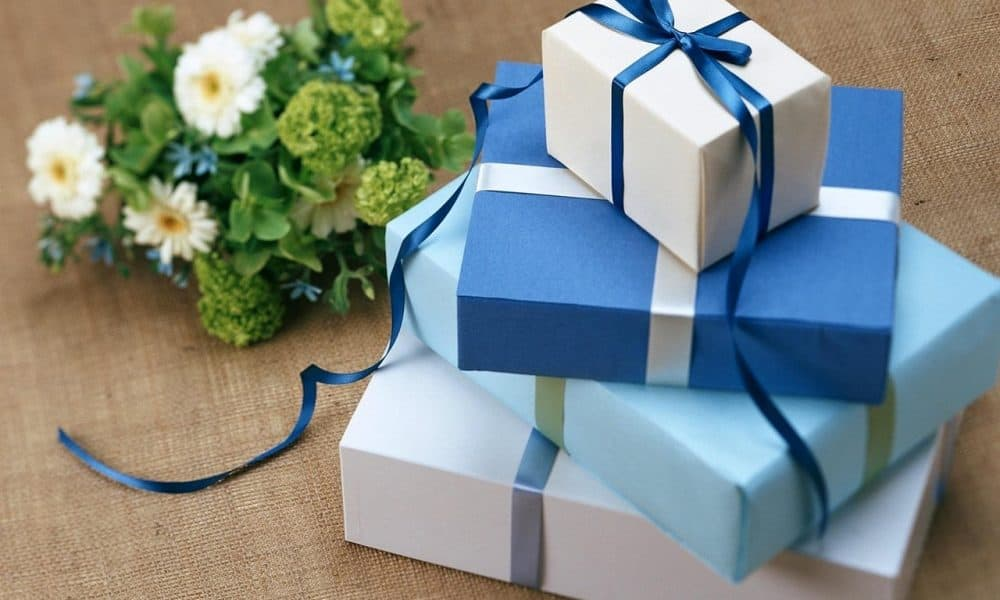 8 Features of a Good Wedding Registry Service and a Bit of Gift Inspo