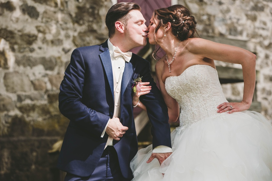 Dainty & Intimate Bed and Breakfast Wedding