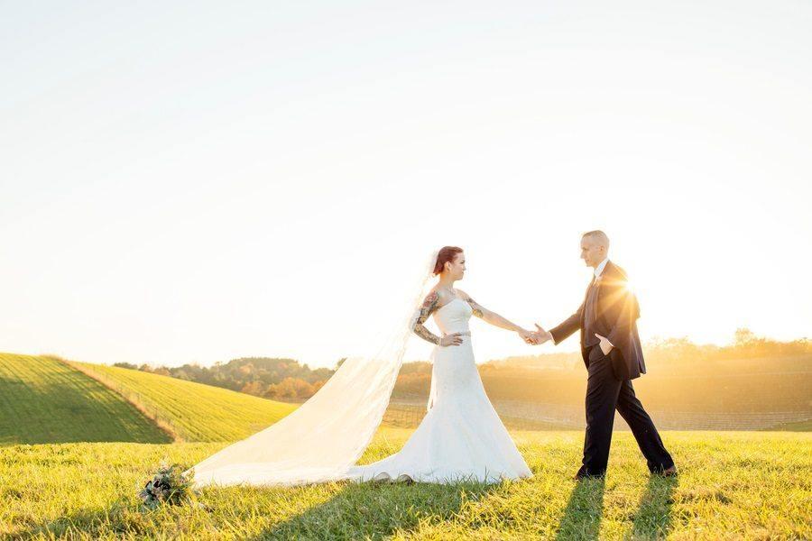 Rustic Vineyard Wedding With Vintage Overtones- An Absolute Must-See!