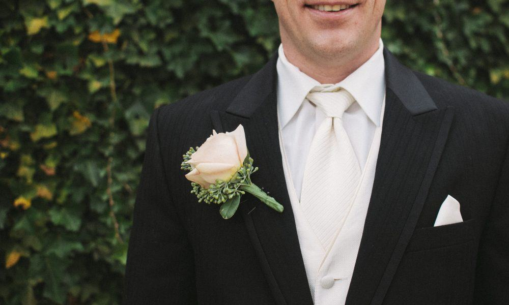 5 Pieces of Advice for Writing a Killer Best Man Speech