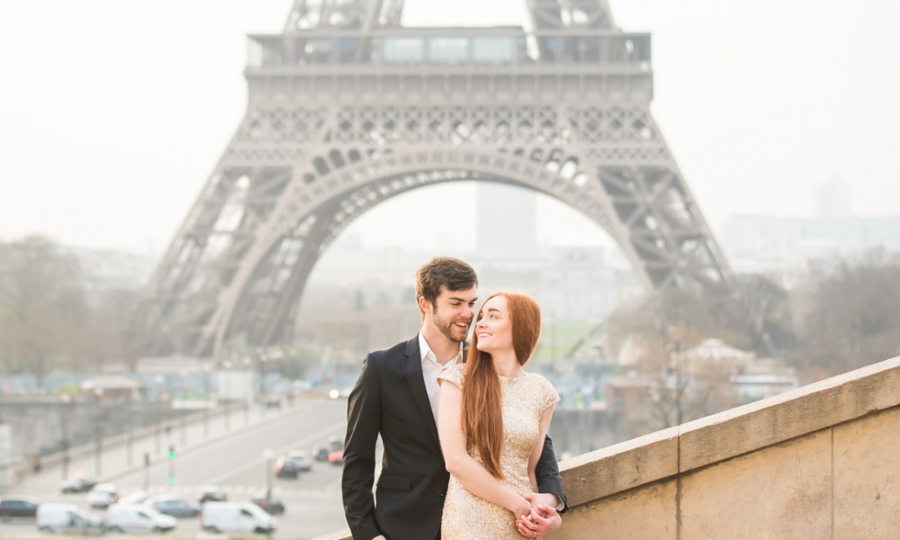 Golden Engagement in Paris: Danielle and Josh