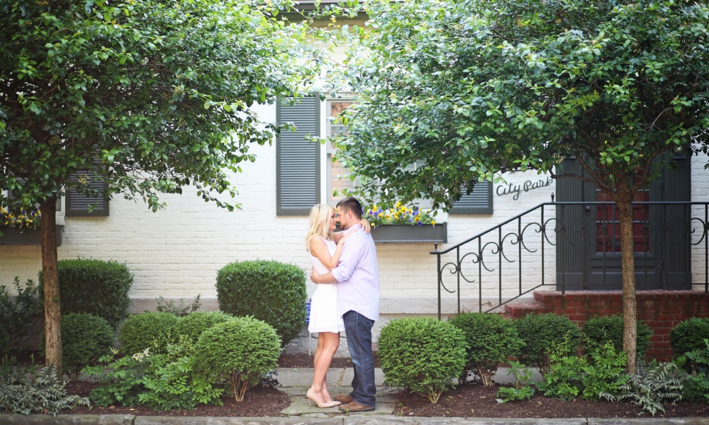 Romantic Outdoor Spring Engagement Session at Scioto Audubon