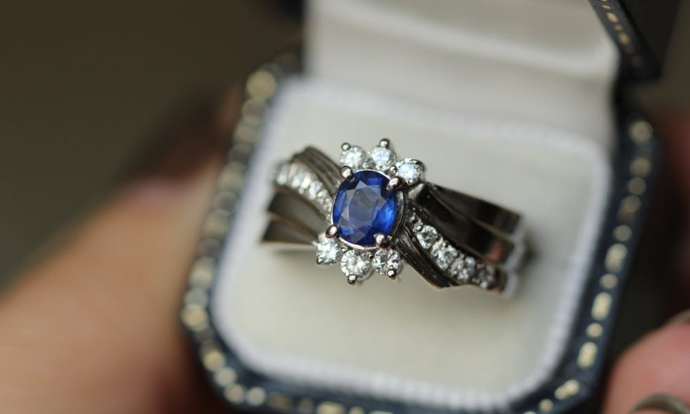 When is the Best Time to Buy an Engagement Ring?